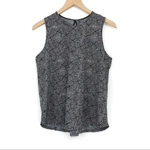 LULULEMON Here To There Tank Floral Black White 4?